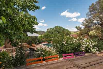 Santa Fe County Single Family Home For Sale: 1170 Camino Delora