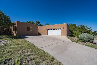 Santa Fe Single Family Home For Sale: 684 Callecita Jicarilla