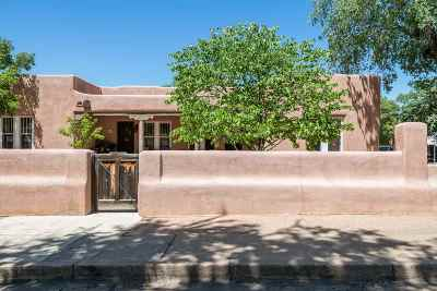 Santa Fe Condo/Townhouse For Sale: 201 Anita #B