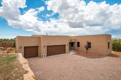 Santa Fe Single Family Home For Sale: 17 Via Harena