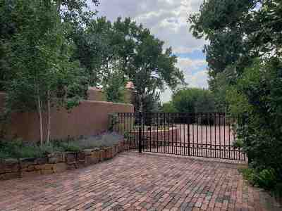 Santa Fe Single Family Home For Sale: 984 C Acequia Madre