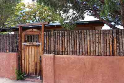 Santa Fe Multi Family Home For Sale: 236 Fiesta