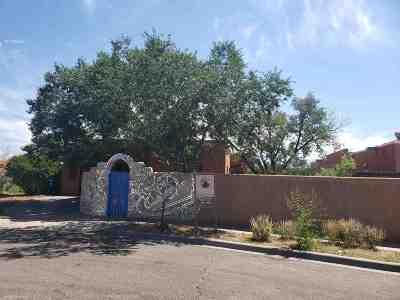Santa Fe NM Single Family Home For Sale: $200,000