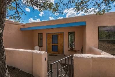 Santa Fe Single Family Home For Sale: 105 Cibola Circle