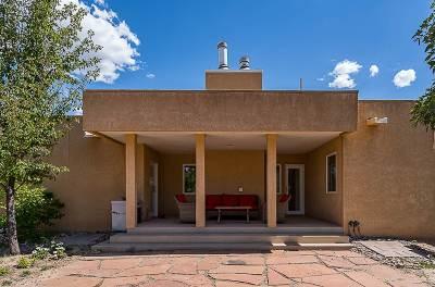 Santa Fe County Single Family Home For Sale: 433 Luisa Lane