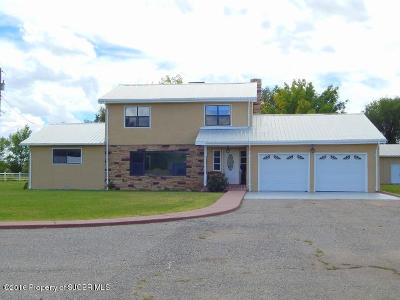 Single Family Home For Sale: 945 Nm 516