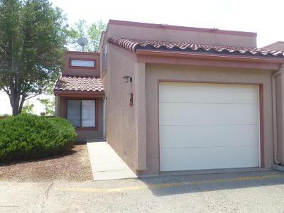 Farmington Condo/Townhouse For Sale: 5200 Villa View #19D
