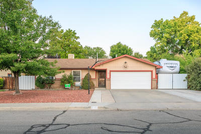 Farmington Single Family Home For Sale: 2101 Zuni Drive