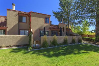Farmington Condo/Townhouse For Sale: 5200 Villa View Drive #20A