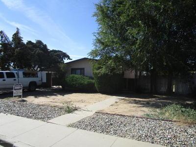 Farmington Single Family Home For Sale: 2017 N Western Avenue