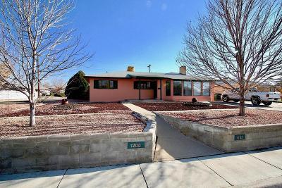 Farmington Single Family Home For Sale: 1200 Camina Contenta