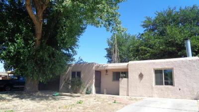 Farmington Single Family Home For Sale: 2104 E 17th Street
