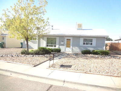 Single Family Home For Sale: 811 E 24th Street