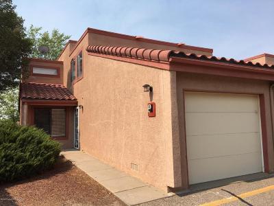 Farmington Condo/Townhouse For Sale: 5200 Villa View Drive #19D