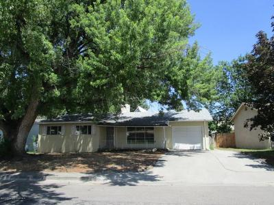 Aztec Single Family Home For Sale: 810 Mossman Avenue