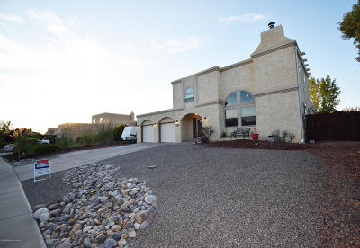 Single Family Home For Sale: 600 Sunrise Parkway
