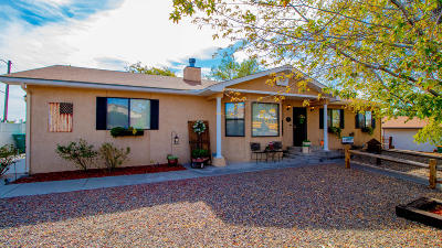 Single Family Home For Sale: 5208 Foothills Drive