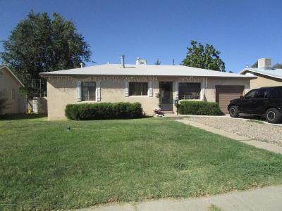 Single Family Home For Sale: 402 E Boyd Drive