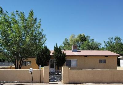Farmington NM Single Family Home For Sale: $104,000