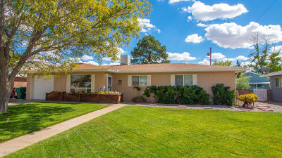 Single Family Home For Sale: 2112 Lynwood Drive