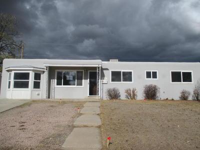 Farmington Single Family Home For Sale: 3306 Edgecliff Drive