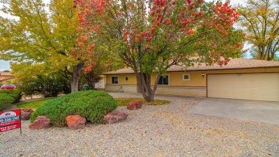 Farmington Single Family Home For Sale: 2417 Avery Lane