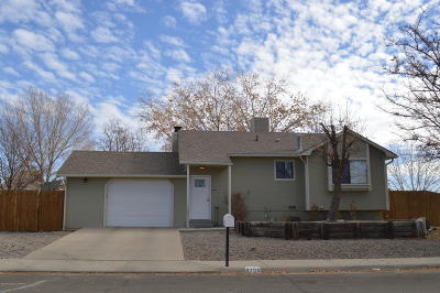 Single Family Home For Sale: 2700 Zia Court