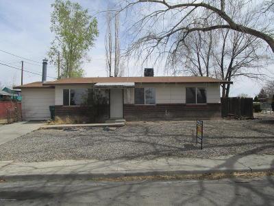 Farmington Single Family Home For Sale: 2506 Edgecliff Drive