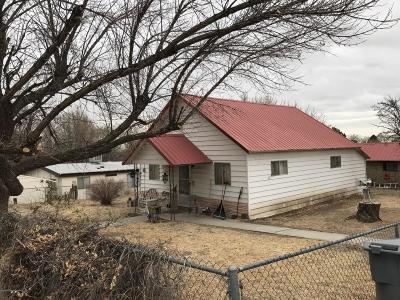 Single Family Home For Sale: 709 Chamiza Avenue