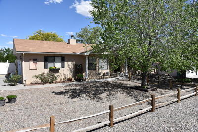 Farmington Single Family Home For Sale: 5208 Foothills Drive