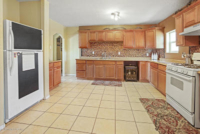 Farmington Single Family Home For Sale: 3807 Highland View Drive