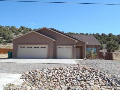 Farmington Single Family Home For Sale: 7025 Laurie Street