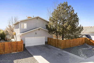 Farmington Single Family Home For Sale: 2111 Heights Drive