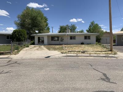 Aztec, Flora Vista Single Family Home For Sale: 200 E Glenmary Drive