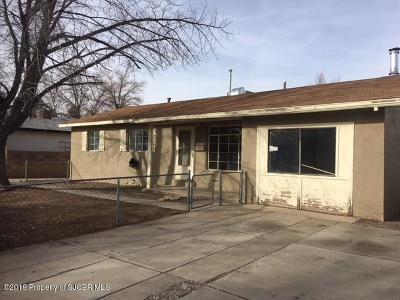 Farmington NM Single Family Home For Sale: $112,000