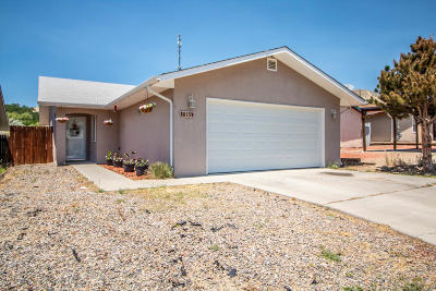 Single Family Home For Sale: 815 N Cholla Street