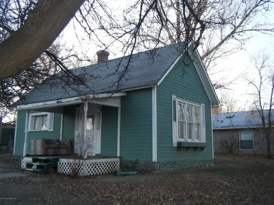 Single Family Home For Sale: 302 E Chuska Street