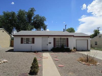 Single Family Home For Sale: 311 W Navajo Street