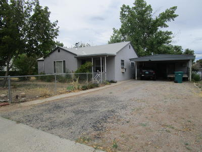 Single Family Home For Sale: 908 N Orchard Avenue
