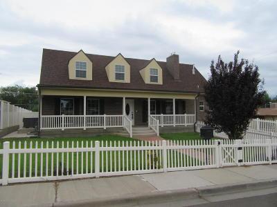 Farmington Single Family Home For Sale: 1310 N Carlton Avenue