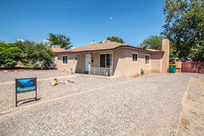 Single Family Home For Sale: 1102 N Orchard Drive