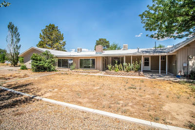 Single Family Home For Sale: 2112 W Aztec Boulevard