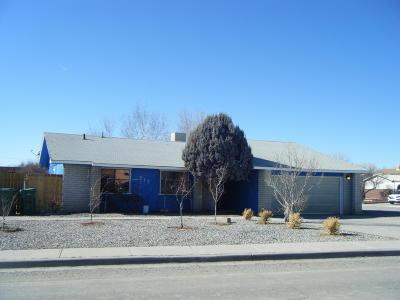 Farmington Single Family Home For Sale: 217 Westland Park Drive
