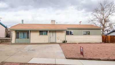 Single Family Home For Sale: 3902 Knollcrest Drive