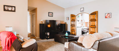 Farmington Single Family Home For Sale: 5009 Holmes Drive