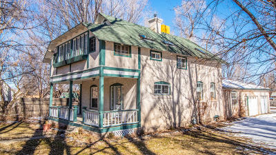 Single Family Home For Sale: 407 Lovers Lane