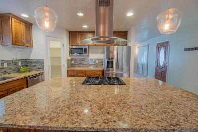 Single Family Home For Sale: 701 Rosa Street
