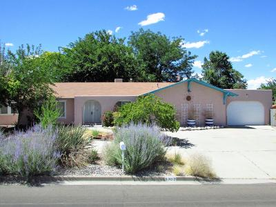 Single Family Home For Sale: 5702 Plaza Drive