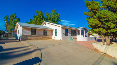 Single Family Home For Sale: 916 E Navajo Street
