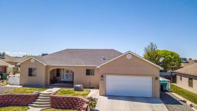 Farmington Single Family Home For Sale: 623 Bishop Lane